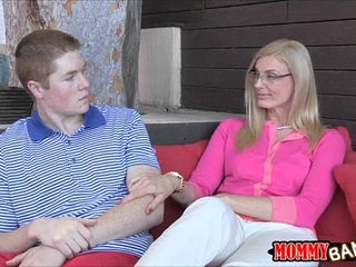 Sexy stepmom Daryl Hanah taught oral sex this young couple